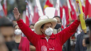 El candidato presidencial de izquierda Pedro Castillo, aquí en Lima el 3 de junio de 2021, buscará superar a Keiko Fujimori en el balotaje de Perú el 6 de junio