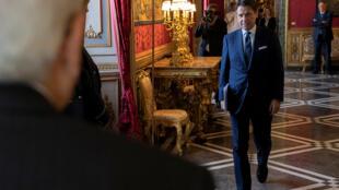 Giuseppe Conte informou ao presidente Sergio Mattarella que formou um novo governo.