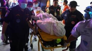 مهاجمی که ۲۷ نفر را در حمله ای مسلحانه در شهر ناکون راتچاسیما در تایلند کشته بود، به ضرب گلوله ماموران امنیتی این کشور کشته شد.
