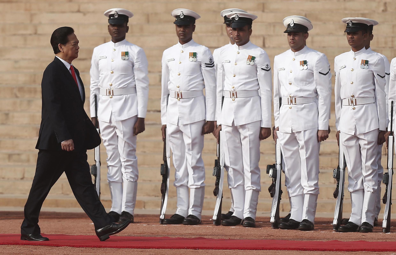 Thủ tướng Nguyễn Tấn Dũng công du New Delhi - REUTERS /Adnan Abidi