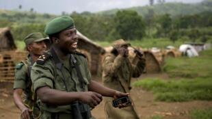 Le général Delphin Kahimbi près de Goma en octobre 2008.