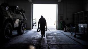 Un soldat du contingent français en Afghanistan, à Kaboul, en septembre 2012.