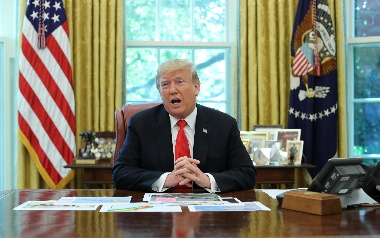 دونالد ترامپ در دفتر کار خود در کاخ سفید