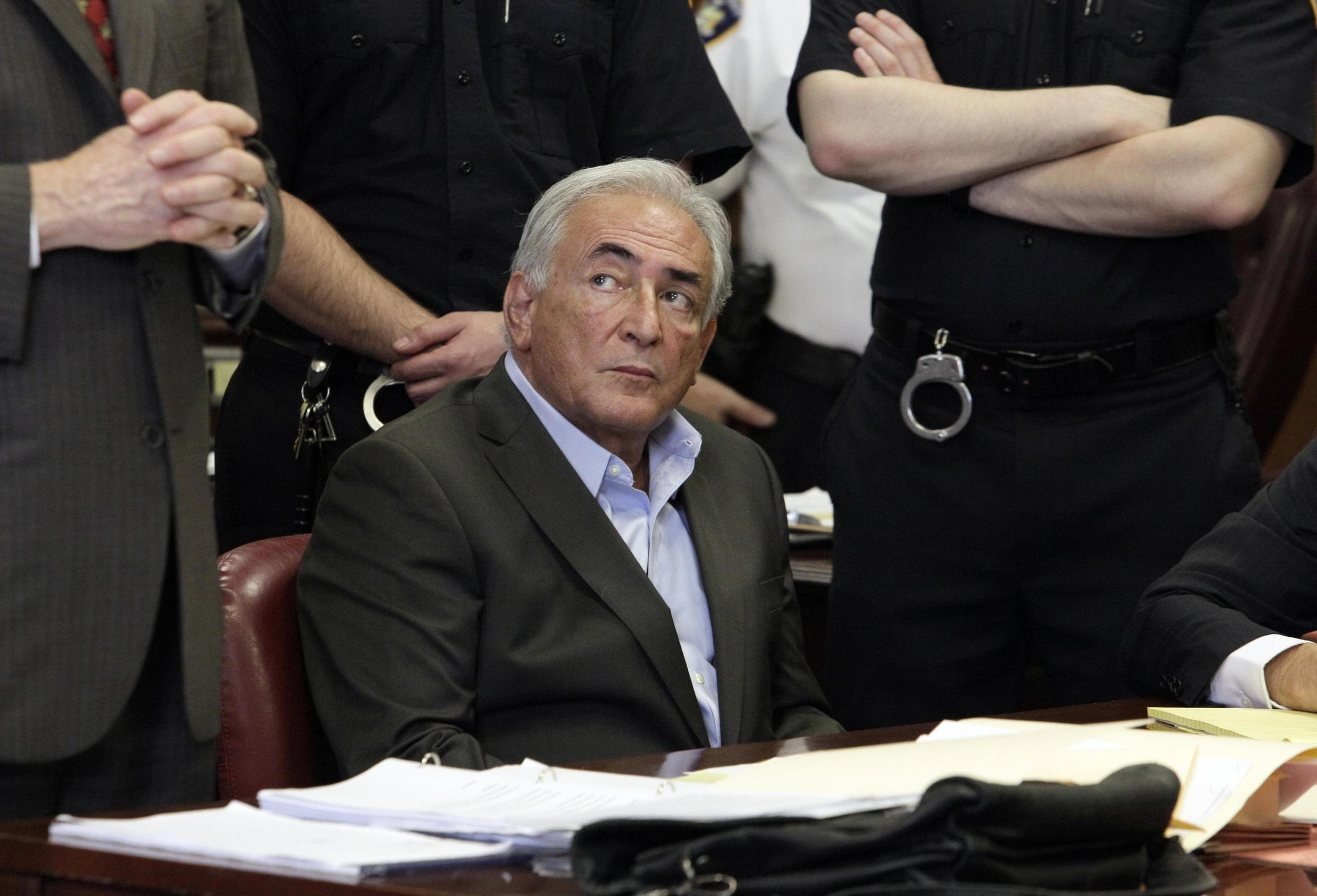 Dominique Strauss-Kahn awaiting bail decision at New York criminal court, 19 May, 2011