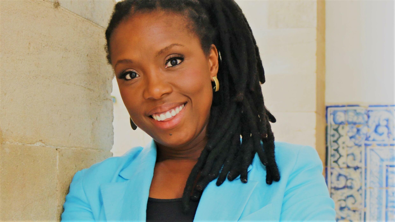 "A artista bissau-guineense Karyna Gomes apresenta o seu novo trabalho ""N'na""."
