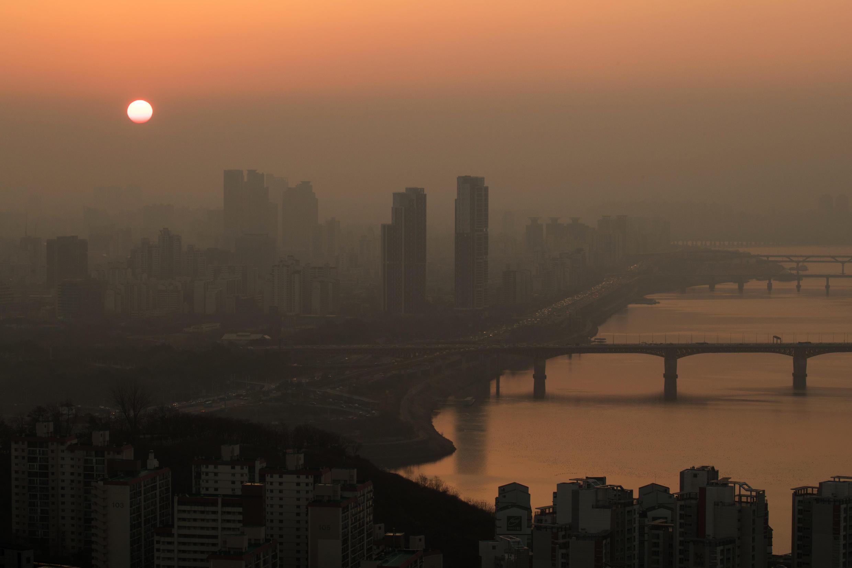 Ô nhiễm Seoul, một sáng tháng Ba 2017.