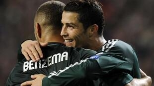 Cristiano Ronaldo et Karim Benzema lors du match contre l'Ajax Amsterdam en Ligue des champions, le 3 octobre 2012.