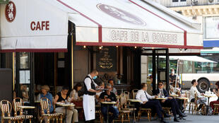 2020-06-02T155129Z_914008598_RC231H9YYPGE_RTRMADP_3_HEALTH-CORONAVIRUS-FRANCE-RESTAURANTS