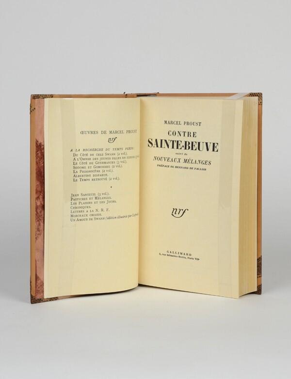 В 1952 году26-летнийдеФаллуа опубликовал виздательстве Gallimard роман«Жан Сантёй», ав1954 году—сборник эссе«ПротивСент-Бёва» (на фото).