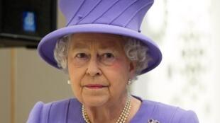 A rainha da Inglaterra, Elisabeth 2ª (em foto de 27 de fevereiro de 2013) foi hospitalizada pela primeira vez em dez anos neste domingo, 3 de março de 2013.