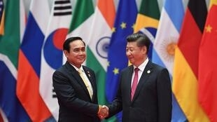 Chủ tịch Trung Quốc, Tập Cận Bình và thủ tướng Thái Lan, Prayut Chan-o-Cha tại thượng đỉnh G20, ngày 04/09/2016.