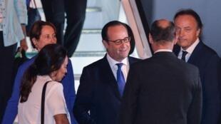 François Hollande à son arrivée à la Havane, le 10 mai 2015.