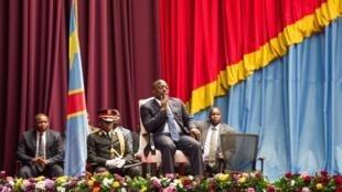 Le président Kabila, le 15 novembre 2016, au Parlement. Il a été consulté par les évêques le lendemain, au sujet de personnalités politiques dont l'opposition demande la libération.