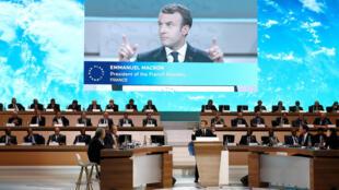Le président français Emmanuel Macron avait décidé d'organiser ce sommet après l'annonce par Donald Trump du retrait américain du pacte historique contre le réchauffement climatique.