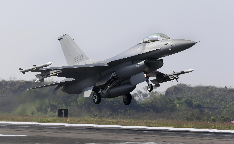 Taiwan - Avion de chasse F-16 AP20015124983223