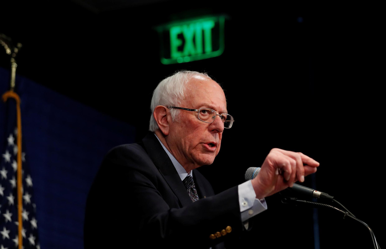 O senador Bernie Sanders confirmou que pretende participar do debate de domingo (15).