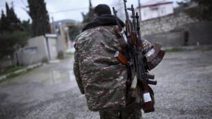 Военный непризнанной Нагорно-Карабахской республики, Мартакерт, 4 апреля 2016 г.