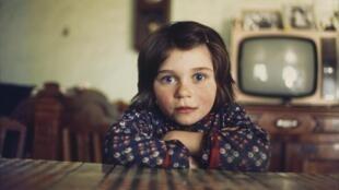 Photographie réalisée par Madeleine de Sinéty, issue de l'exposition « Un village » au Centre d'art GwinZegal à Guingamp et du livre, publié aux éditions GwinZegal.  © Madeleine de Sinéty