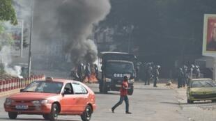 Des affrontements ont éclaté le 13 août à Abidjan entre des manifestants de l'opposition et la police.