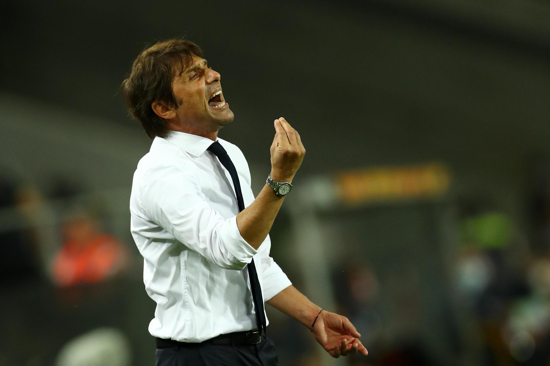 L'entraîneur de l'Inter Milan, Antonio Conte, lors de la finale de la Ligue Europa face à Séville, à Cologne, le 21 août 2020