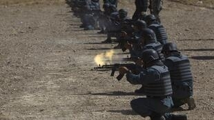 Afghan police recruits at target practice in Kabul