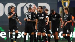 Os jogadores do SL Benfica festejaram o triunfo frente ao Famalicão.