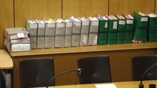 Уголовное дело одного из обвиняемых в геноциде в Руанде Паскаля Симбикангва в суде Парижа 04/02/2014 (архив)