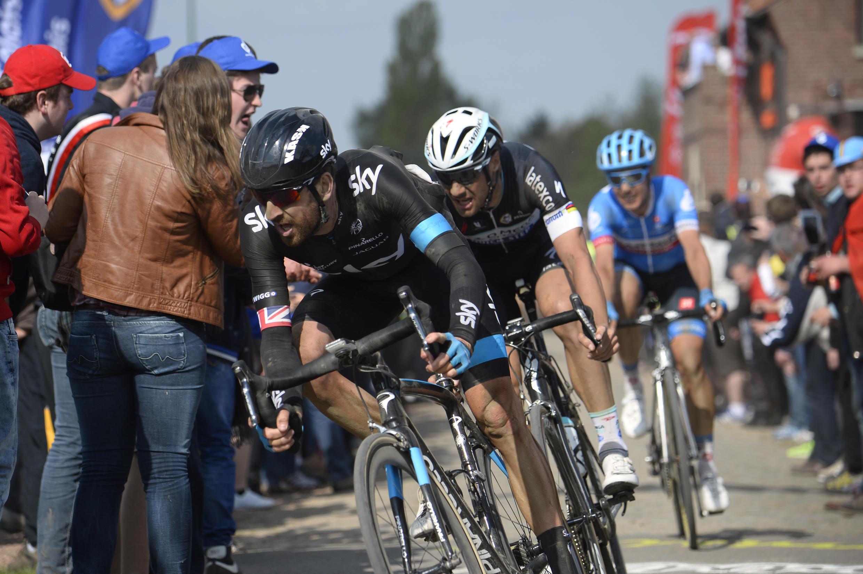 Le Britannique Bradley Wiggins (au premier plan) lors du Paris-Roubaix 2014.