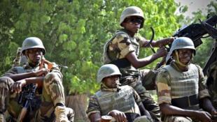 Wasu dakarun sojin Najeriya dake yakar Boko Haram a yankin arewa maso gabashin kasar.
