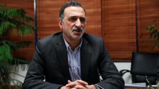 فخرالدین آشتیانی، وزیر آموزش و پرورش ایران