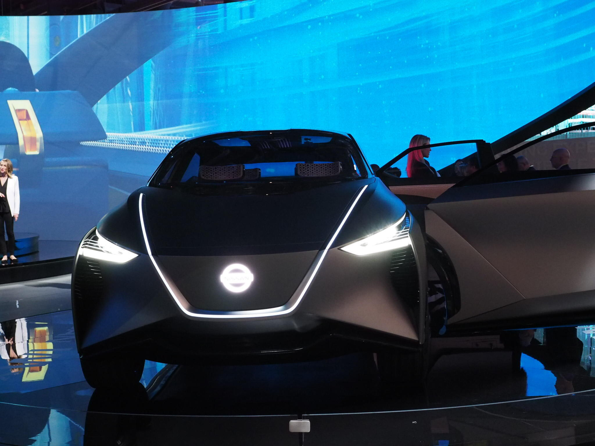 Chez Nissan, la voiture est déjà dans le futur.