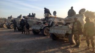 Tropas chadianas na fronteira entre a Nigéria e Camarões.