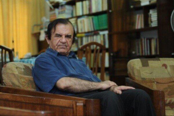 فتحالله بینیاز، نویسنده و منتقد ادبی
