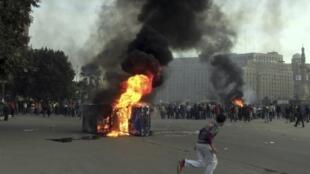 Des heurts ont eu lieu place Tahrir au Caire, dimanche 3 mars 2013.
