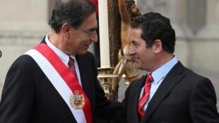 Le président péruvien, Martin Vizcarra (à gauche) a limogé son ministre de la Justice, Salvador Heresi (droite). (Photo : Le 2 avril 2018 à Lima)