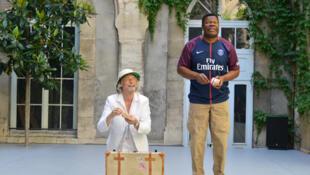 Ezéchiel et les bruits de l'ombre, de Koffi Kwahulé et Michel Risse, jusqu'au 14 juillet au Festival d'Avignon, dans le cadre de « Sujets à Vif », au Jardin de la Vierge du Lycée Saint-Joseph.