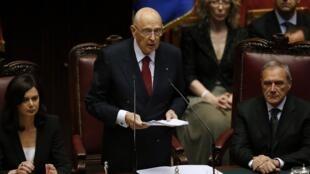 Giorgio Napolitano a accepté un second mandat parce que la situation de l'Italie l'inquiète.