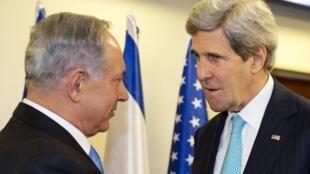 នាយករដ្ឋមន្ត្រីអ៊ីស្រាអែល Benyamin Netanyahu និងប្រមុខការទូតអាមេរិកលោក John KerryនៅJérusalem ថ្ងៃទី ៣១មករា២០១៤