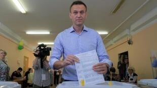 俄羅斯反對派領袖納瓦爾尼在莫斯科地方選舉投票站,2019年9月8日。