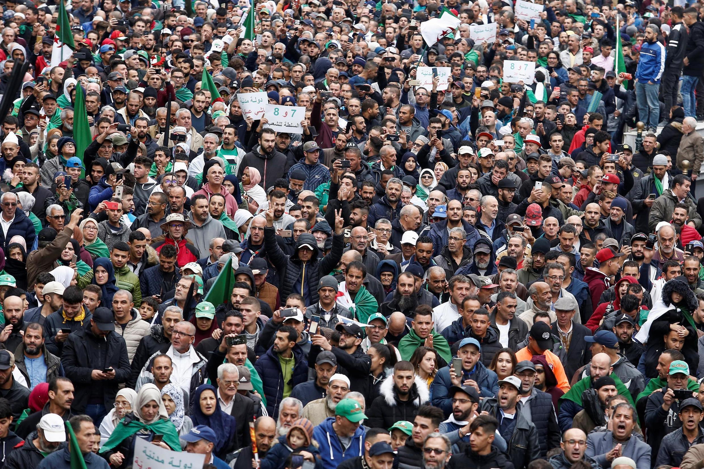 Alger, le 8 novembre 2019. Une foule compacte a encore crié sa colère, pour le 38e vendredi consécutif.