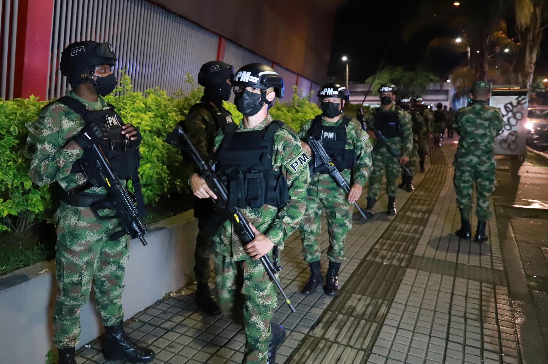 2021-05-30T031326Z_1007350044_RC2VPN90EFGJ_RTRMADP_3_COLOMBIA-PROTESTS