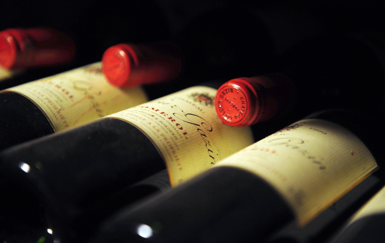 En Francia se bebe cerveza en el norte y el este, vino en el sur y licores fuertes en el oeste.