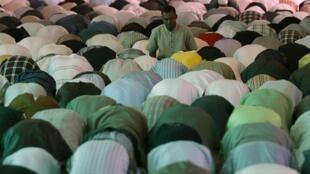 Hora de la plegaria en una mezquita.