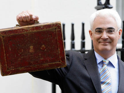 Alistair Darling, British Finance Minister, presented Britain's pre-election budget before Parliament on Wednesday 22 March