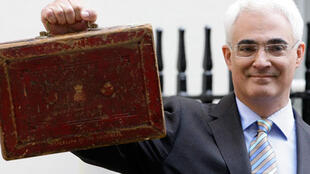 Alistair Darling, British Finance Minister, presented Britain's pre-election budget before Parliament