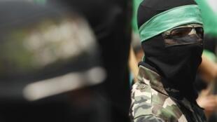 Un militante de Hamas, en una manifestación para pedir la liberación de prisioneros palestinos, el 15 de julio de 2011, en Gaza.