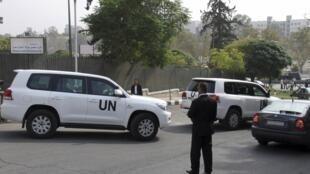 Le convoi onusien de Lakhdar Brahimi quitte Damas, le 23 octobre 2012. L'émissaire des Nations unies est attendu par le Conseil de sécurité ce mercredi.
