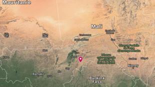 Au moins une cinquantaine de personnes ont été tuées samedi dans l'attaque d'un village peul, dans le centre du Mali, le 23 mars 2019.