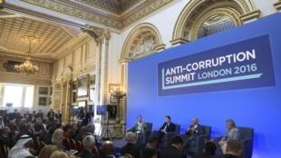 Lors du sommet anti-corruption organisé à Londres, le 12 mai 2016.
