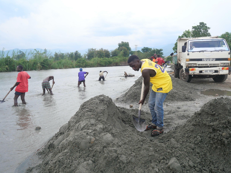 Ouganda - Kasese - Inondations - Rivière - P1012255